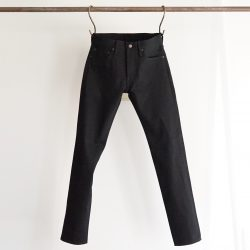 TIGHT FIT SELVEDGE JEANS